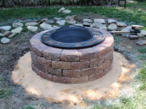 Build a DIY Backyard Fire Pit