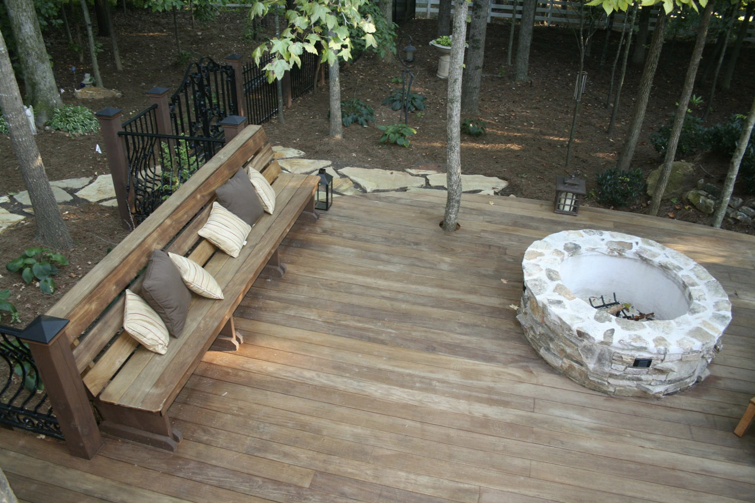Curved Fire Pit Bench With Back Fireplace Design Ideas