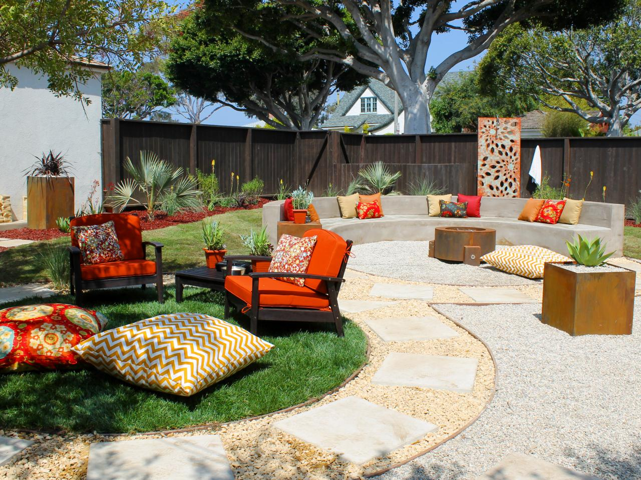 Diy backyard fire pit home made ideas to build outdoor - Small backyard fire pit ideas ...