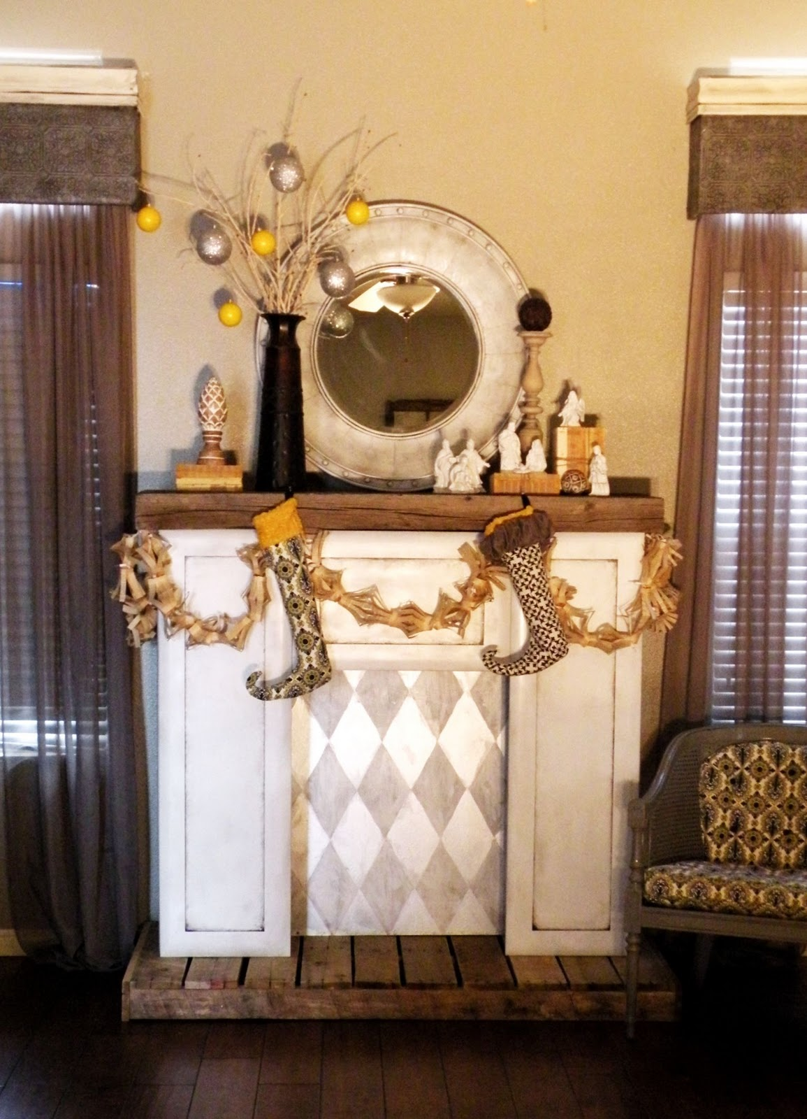 DIY Faux Fireplace Mantel | FIREPLACE DESIGN IDEAS