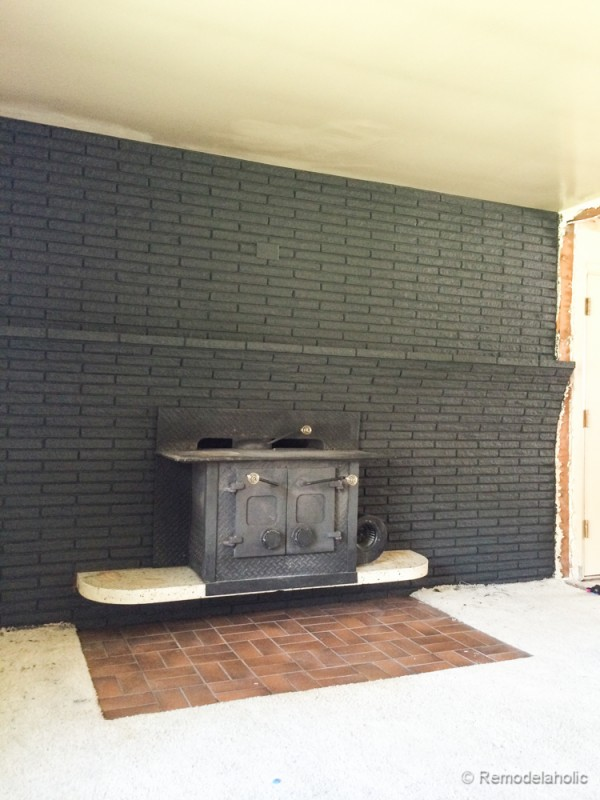 Painting brick fireplace what you need to know for Interior brick wall paint ideas