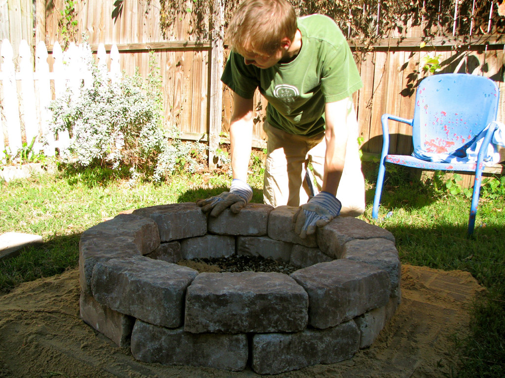 Easy Homemade Fire Pit