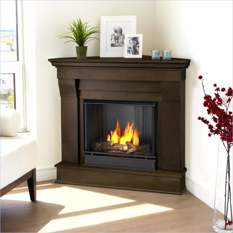 How to Decorate a Corner Fireplace