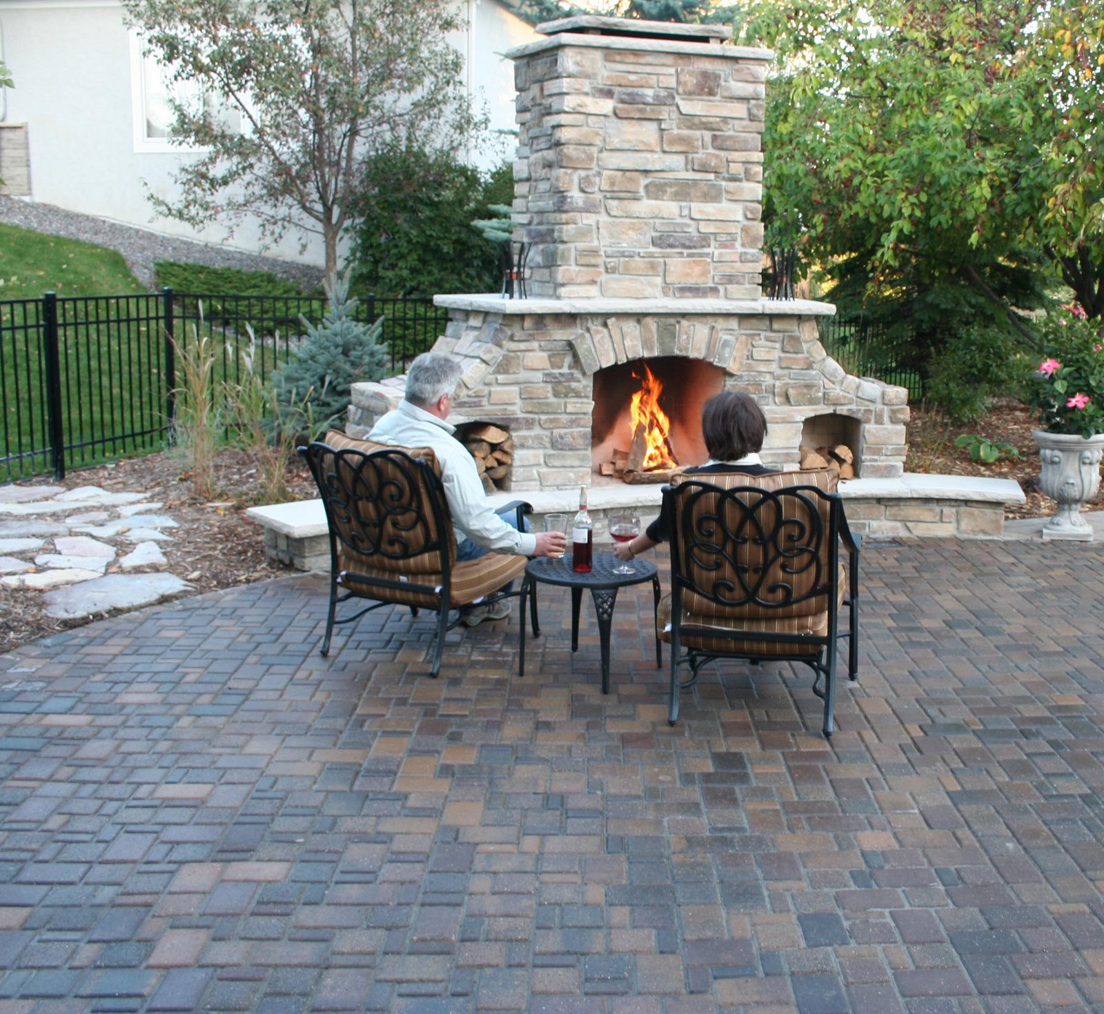 How to Make a Brick Fire Pit in your Backyard