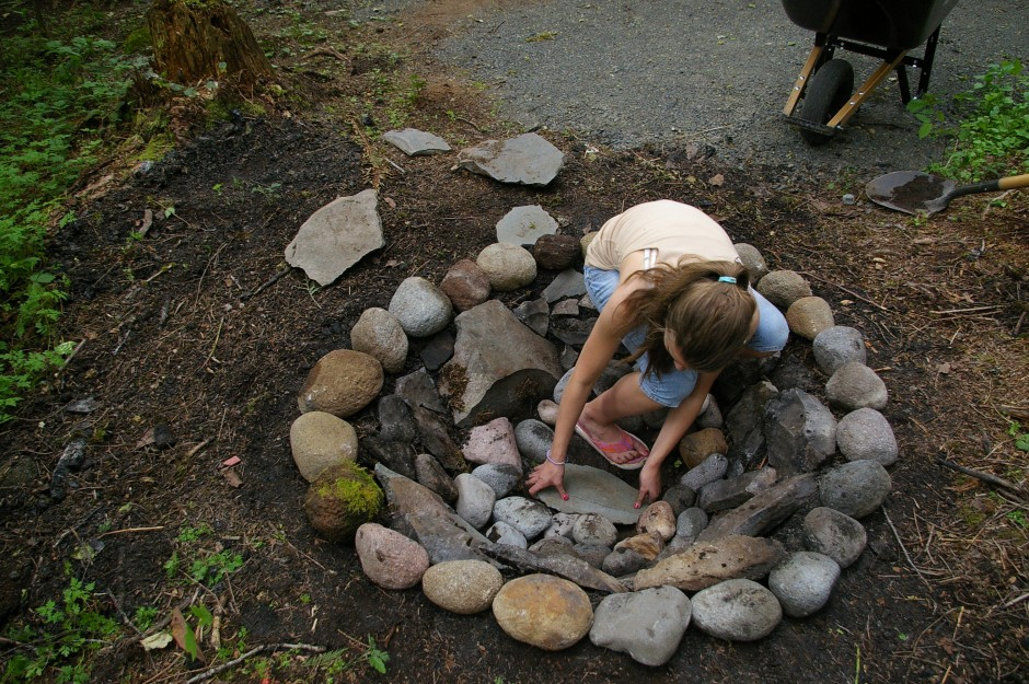 How To Make A Fire Pit With Rocks FIREPLACE DESIGN IDEAS