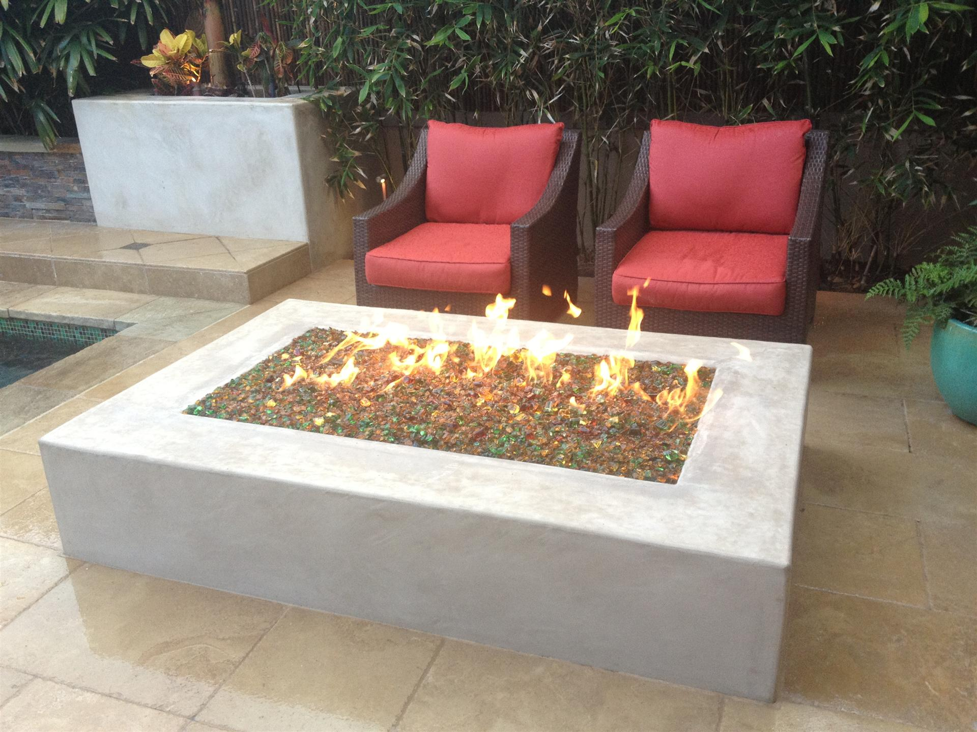 Modern concrete fire pit fireplace design ideas for Modern fire pit ideas
