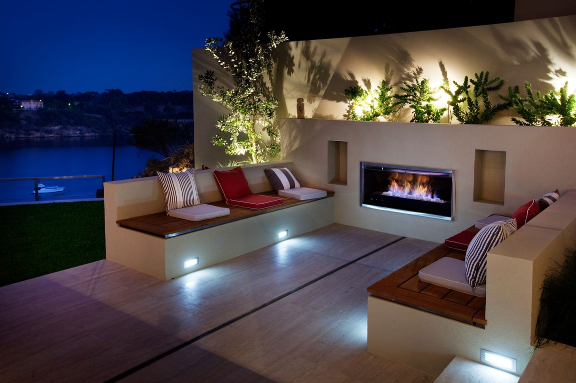 Modern Outdoor Fireplace Designs