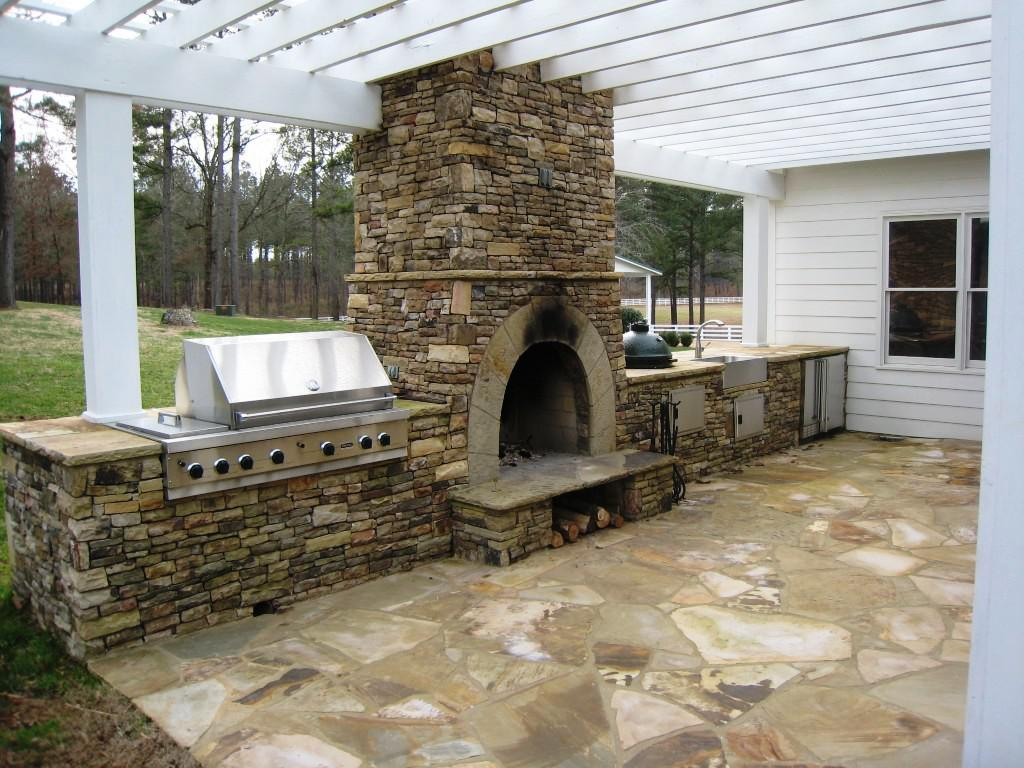 Outdoor fireplace plans diy fireplace design ideas for How to build a small outdoor fireplace