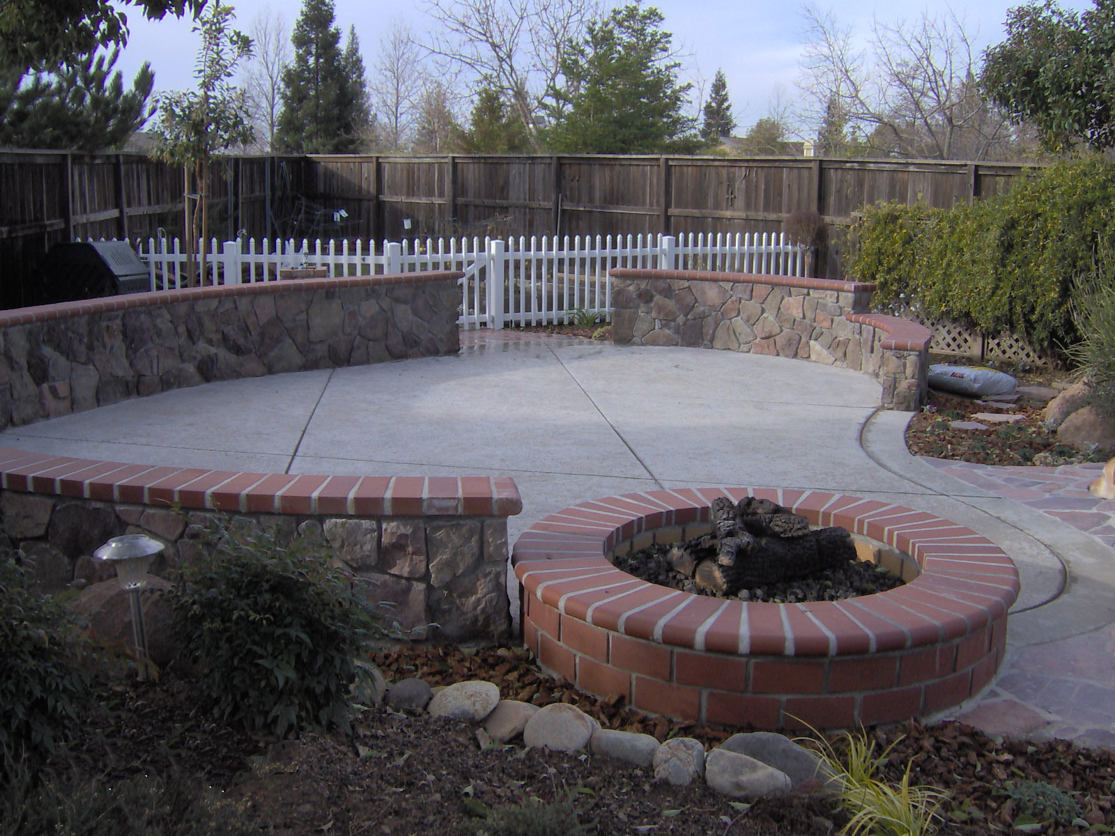Rock Fire Pit Ideas