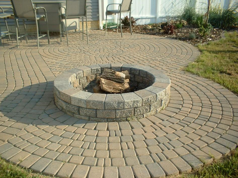 Round concrete fire pit fireplace design ideas for Concrete fire pit plans