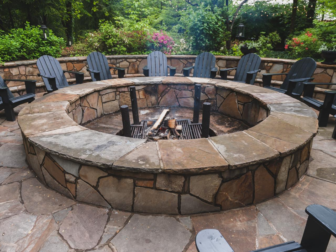 Round stone fire pit fireplace design ideas for Materials needed to build a fire pit