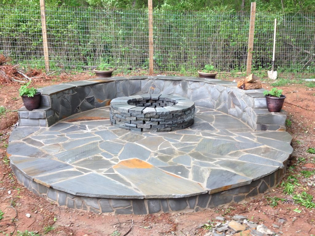 Decorate Your Garden With A Small Fire Pit Fireplace