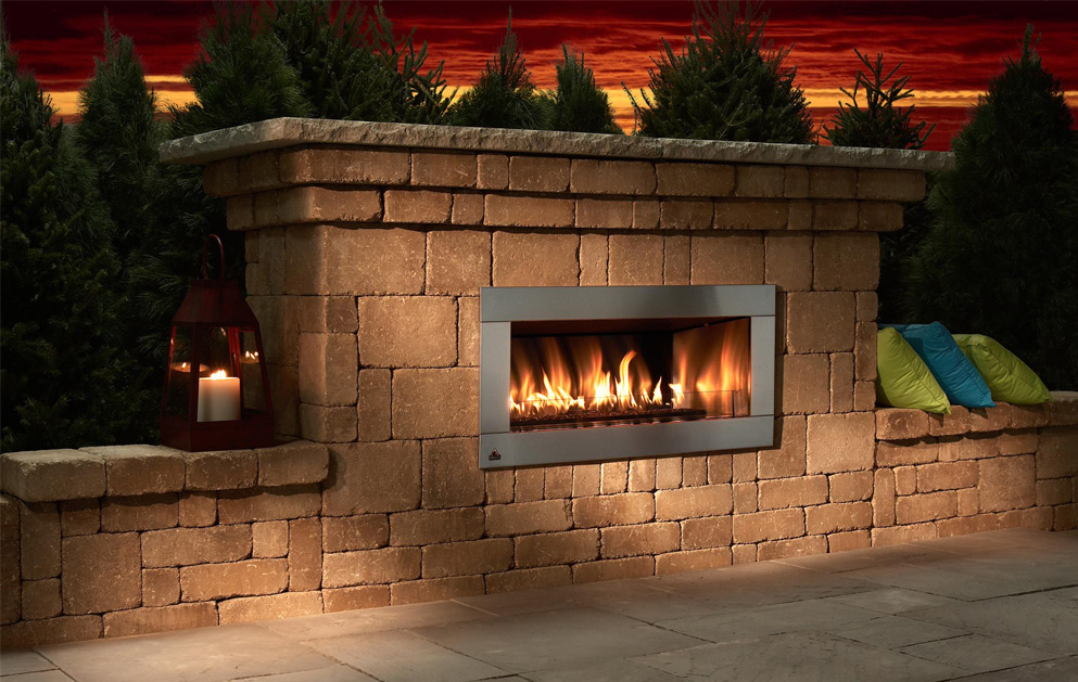 Small outdoor gas fireplace fireplace design ideas for Outdoor gas fireplace designs