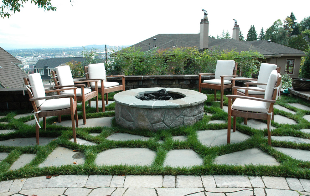 Fire pit backyard ideas fireplace design ideas for Backyard rock fire pit ideas